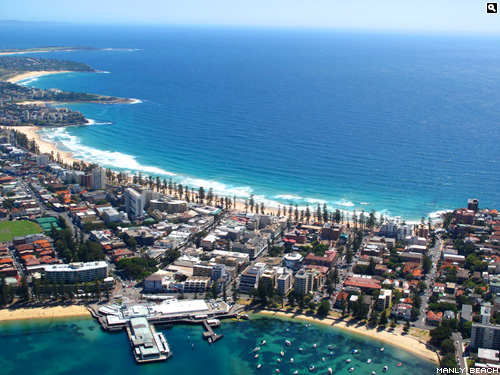 Manly Beach, Sydney : Where men are men, and sharks are spoilt for choice!