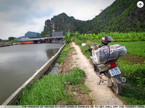 Vietnam on a motorbike by Simon Jones