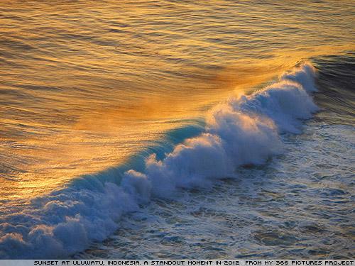 Uluwatu, Bali : From 366pictures.com